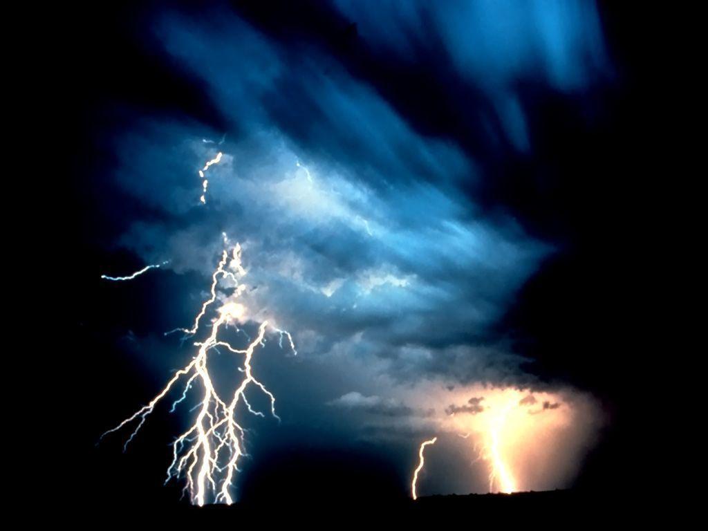 L'orage ~~ Les éclairs Decu5ssh